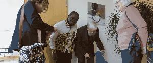Im Büro des Bischofs mit Blauschaf