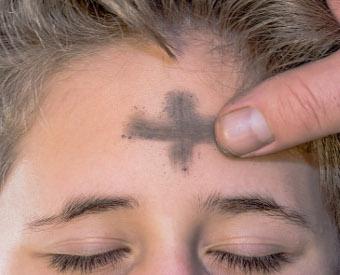 Mit dem Kreuz auf der Stirn